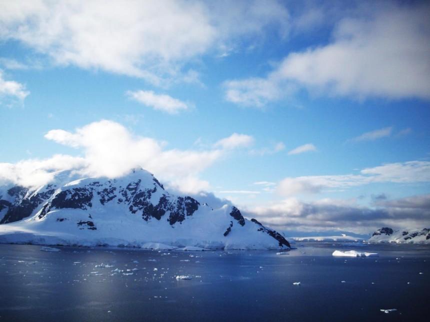 antarctica paradise harbor view 2