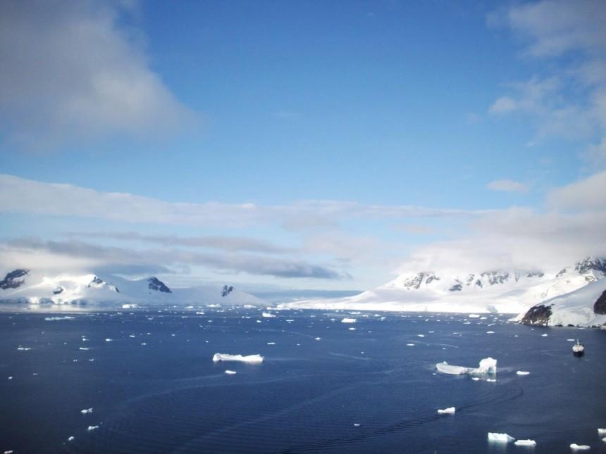antarctica paradise harbor view 3