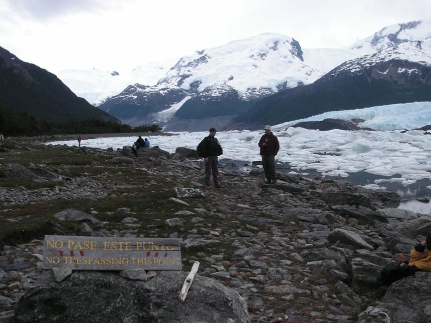 lago-onelli-no-trespassing-2