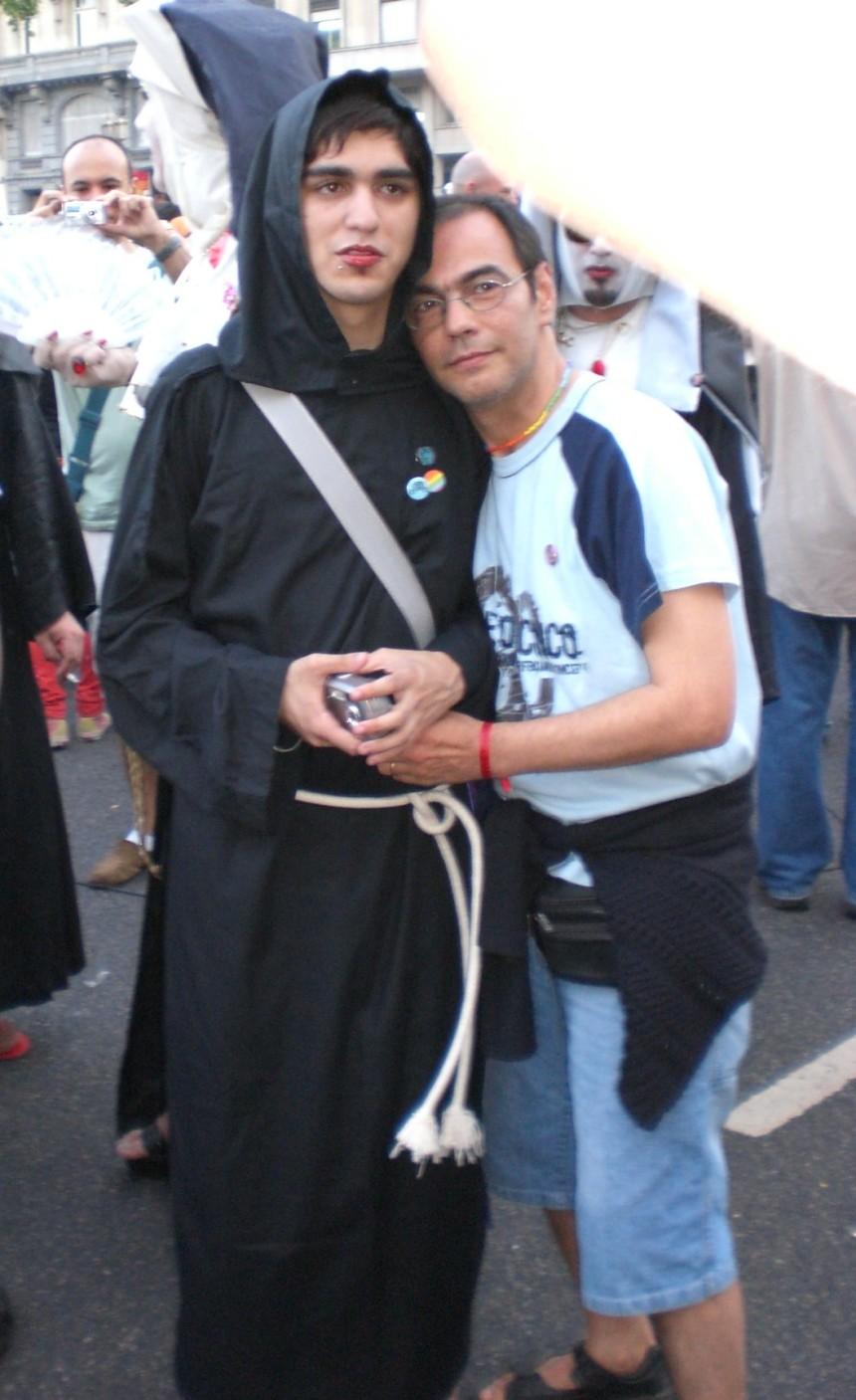 pride 2007 - couple not naughty