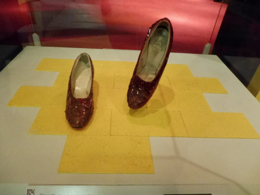 USA - The Wizard of Oz - Ruby Slippers front-on