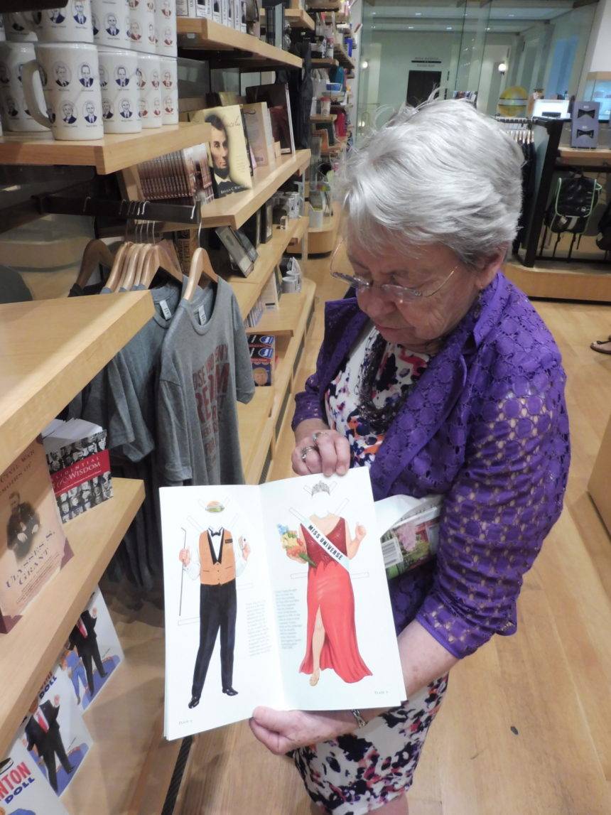 USA DC National Portrait Gallery gift shop - D Trump doll book and Caroline